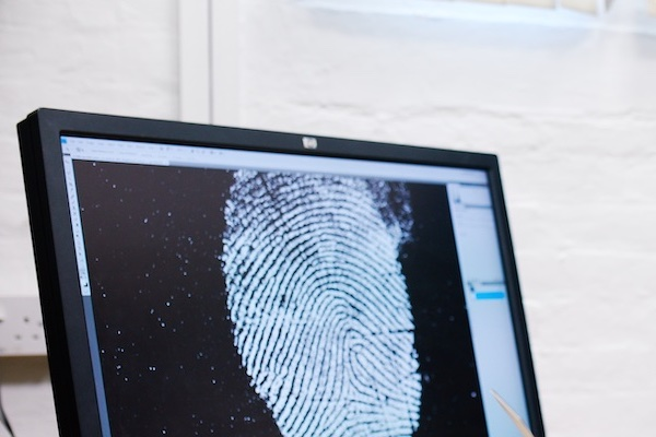 forensic fingerprint studies on computer screen