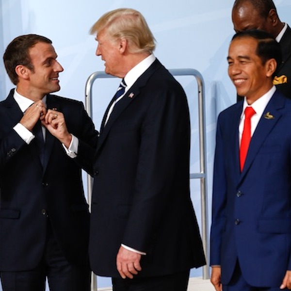 Trump and Macron in discussion