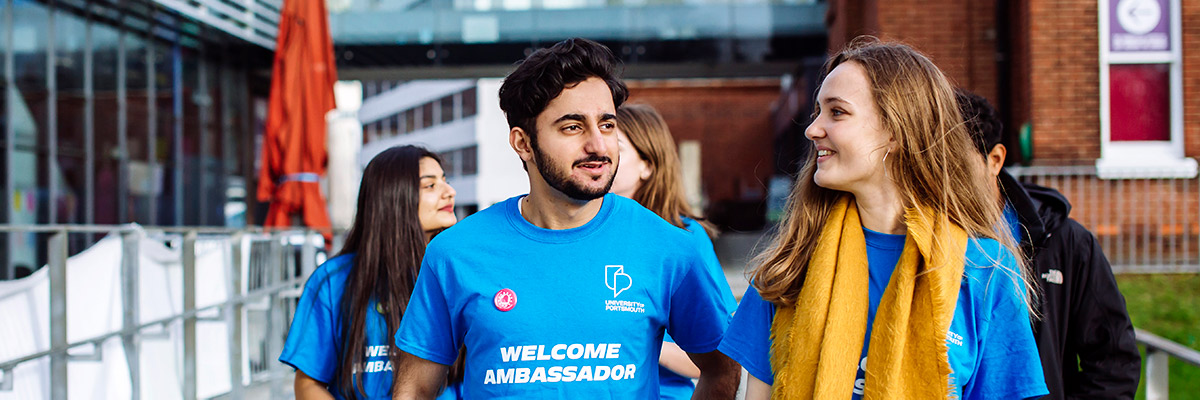University of Portsmouth Welcome Ambassadors outside the Students' Union